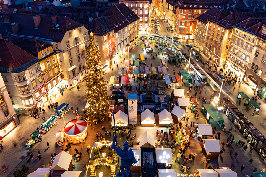Graz Christkindlmarkt am Hauptplatz (c) Graz Tourismus Harry Schiffer